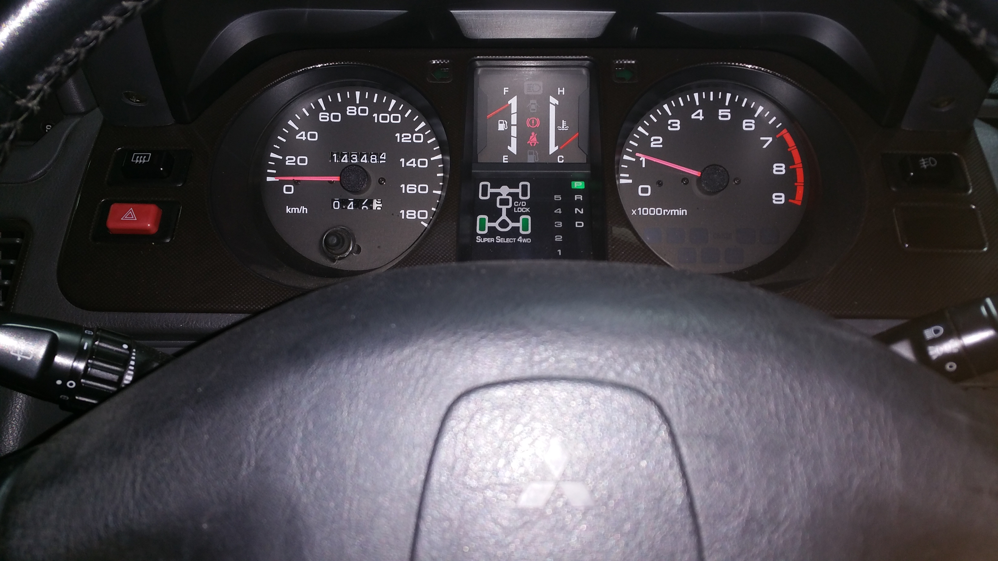 mits_pajero_evolution_gauges