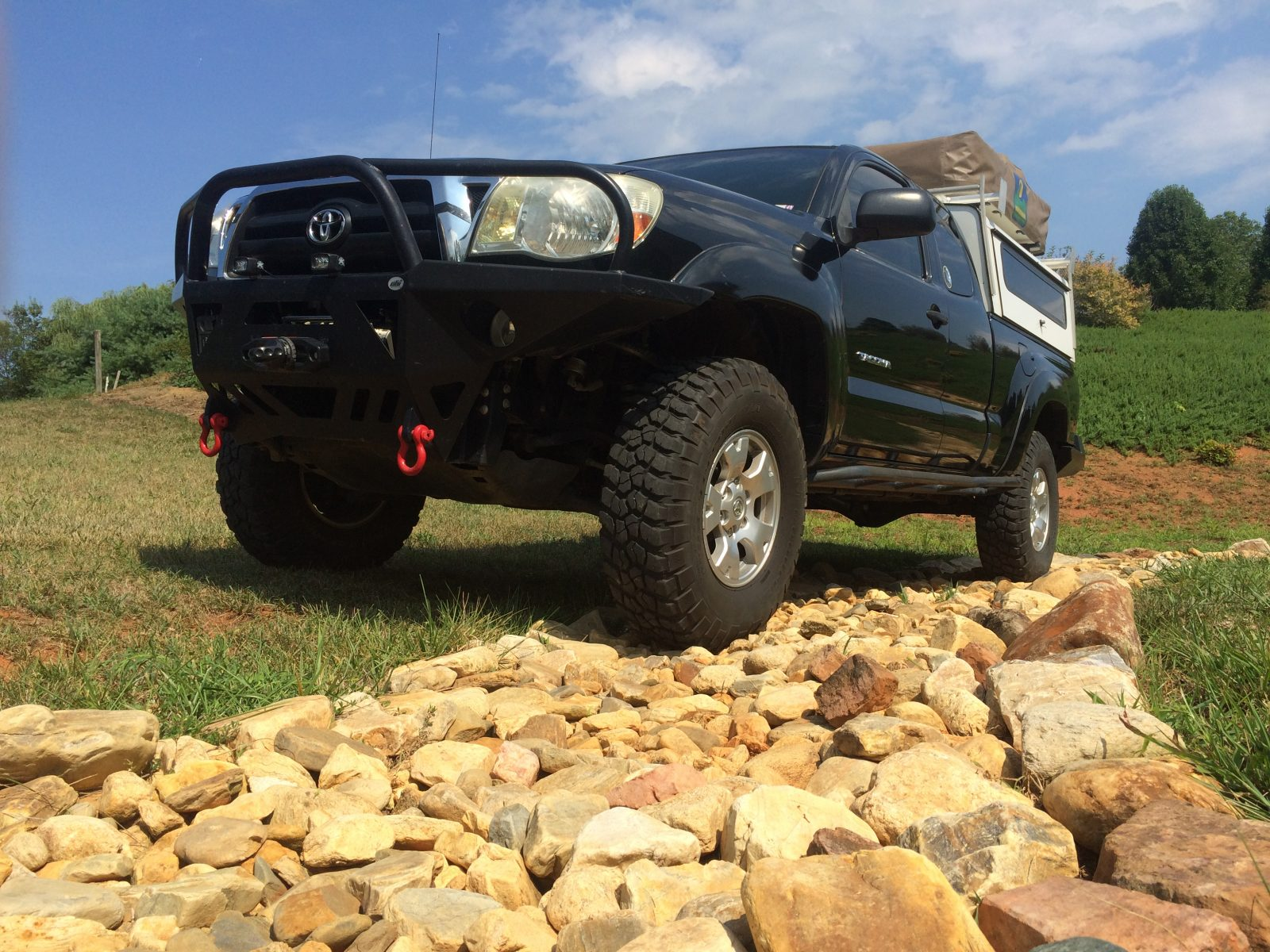 Toyota Tacoma, front view